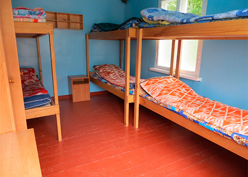 проживание в комнатах без удобств
