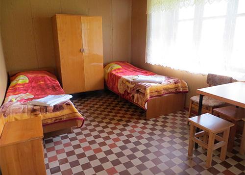 проживание в комнатах с удобствами на этаже